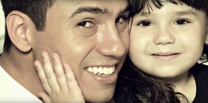 Rafael del Col y su Hija