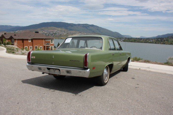 Plymouth Valiant 1971 verde