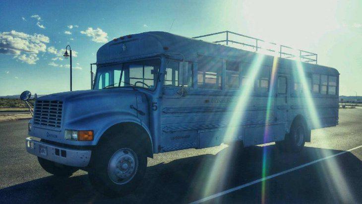 Big Blue camion conversion a casa pequeña