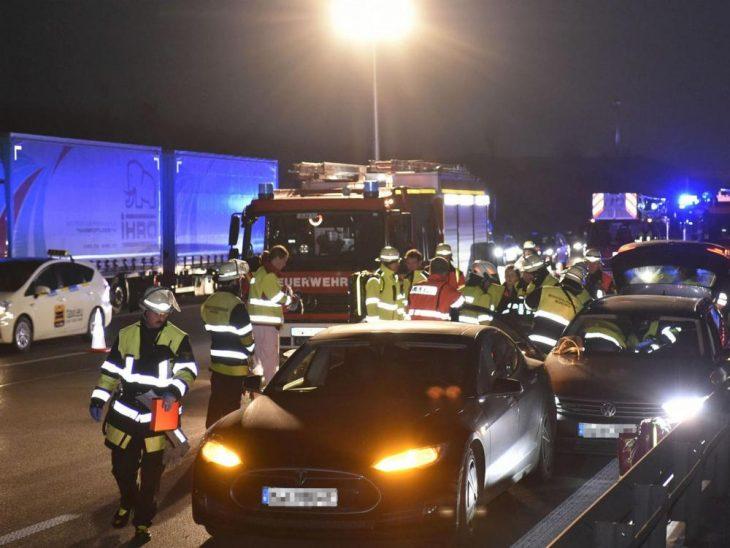Tesla Model S accidente VW