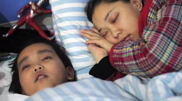 Niño 7 años donda riñon a su madre