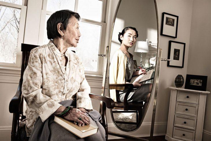 Tom Hussey galería reflexiones mujer asiática