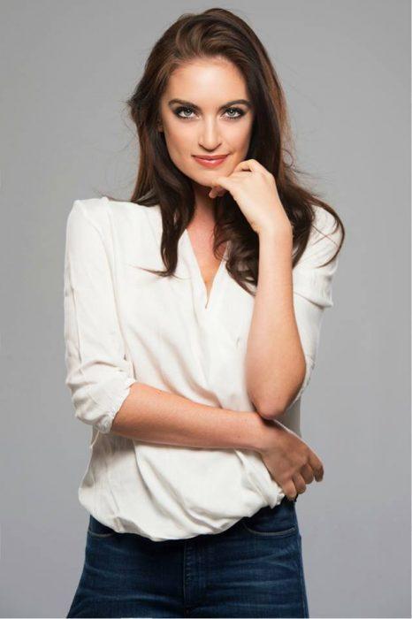 Siera Bearchell blusa blanca