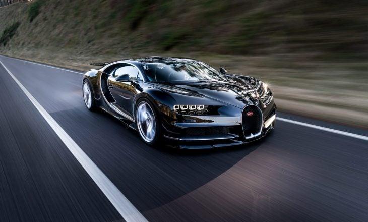 Bugatti Chiron negro