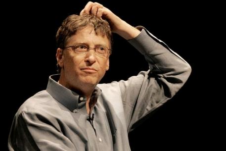Bill Gates rascando cabeza