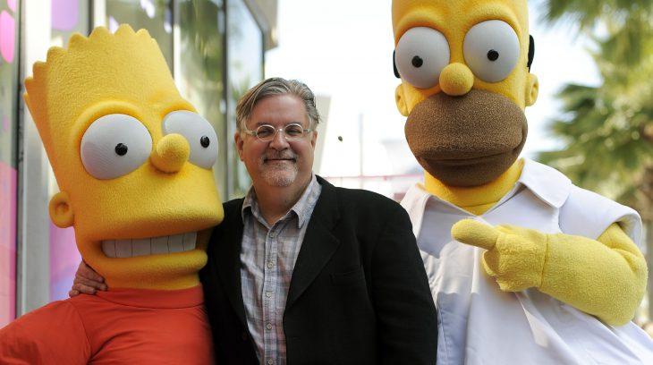 Matt Groening con botargas de Bart y Homero