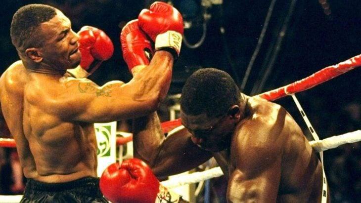 Tyson golpe gancho