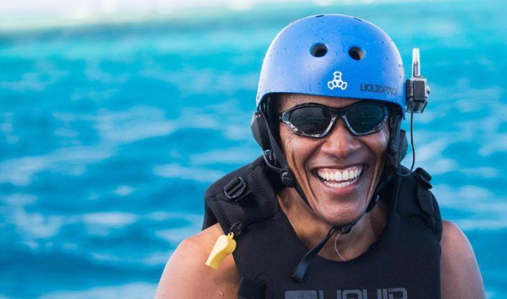 Obama con casco