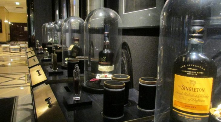 Perfumes y tragos en el Ritz