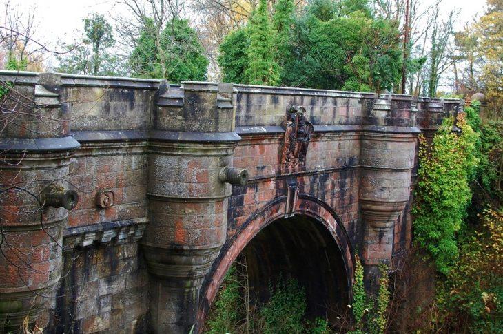 Puente Overtoun, Escocia