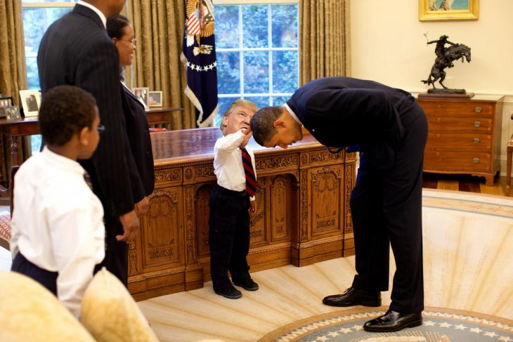 Tiny Trumps toca a Obama