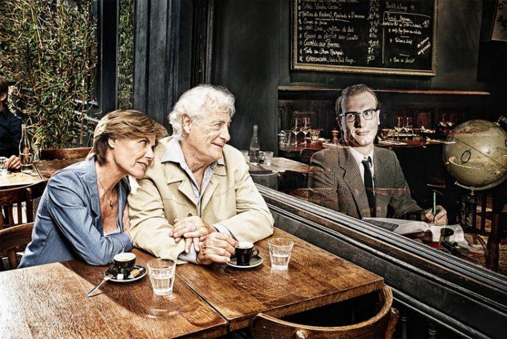 Tom Hussey galería reflexiones hombre cafetería