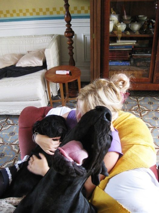 perros y dueña