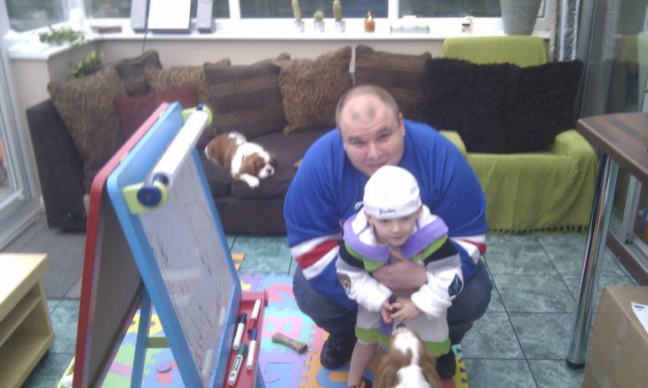 James Fry con bebé