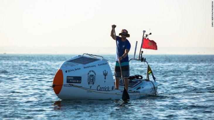hombre cruza el Atlántico sin ayuda remando