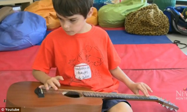 Félix niño ciego toca blues