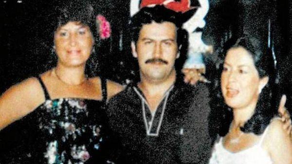 Pablo Escobar con mujeres
