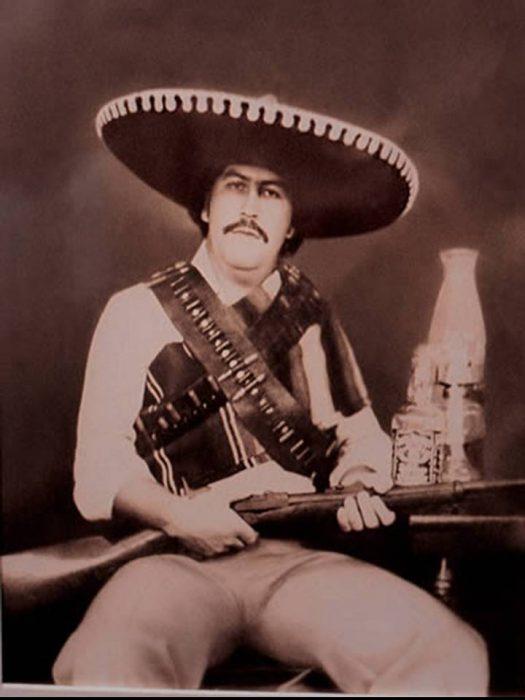 Pablo Escobar disfrazado de Zapata