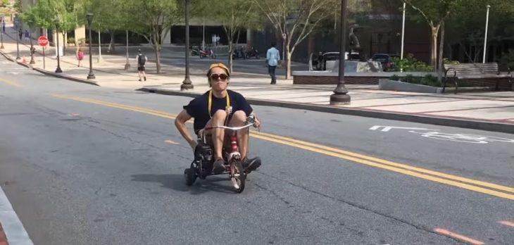 Triciclo motosierra