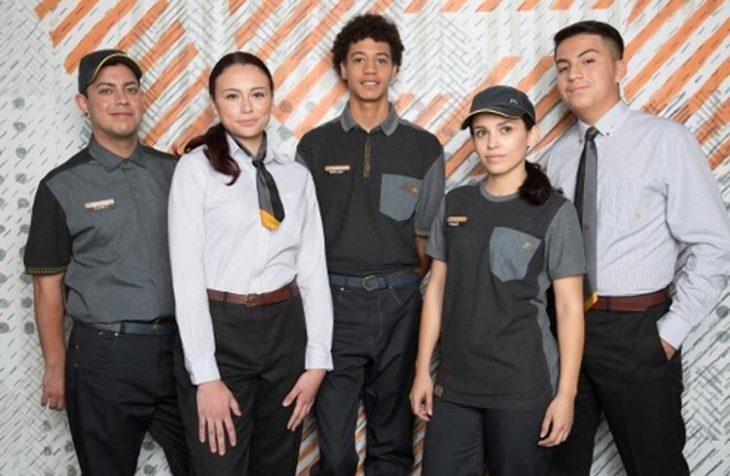 McDonlald's nuevos uniformes negros