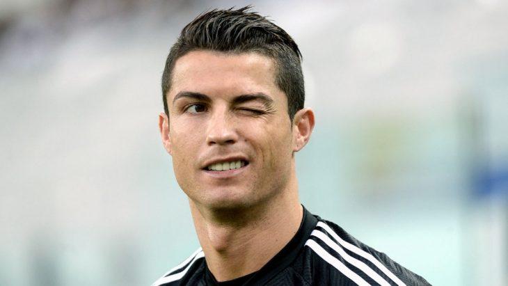Cristiano Ronaldo guiña el ojo