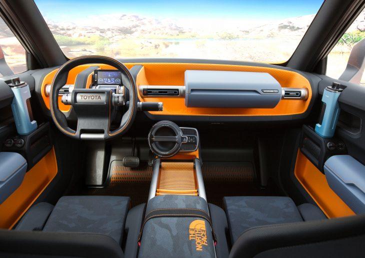 Toyota FT-4X Concept inteior