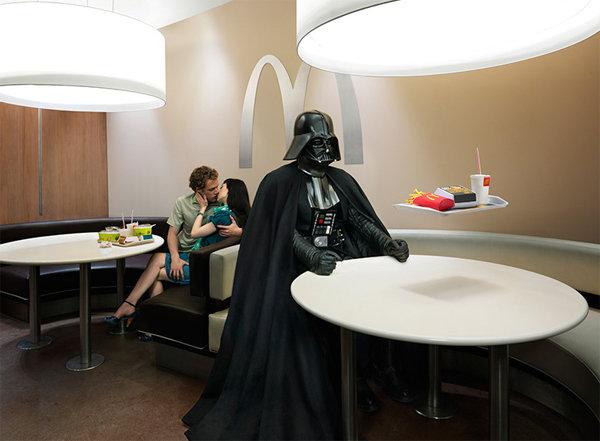 Mcdonalds nuevos univormes Darth Vader en Mcdonalds