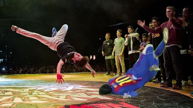 messi break dance