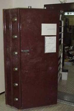 puerta boveda