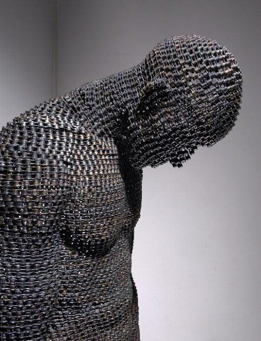 Arte de cadenas recicladas, llevadas a otro nivel