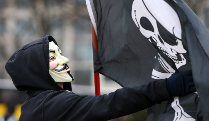 Anonymous guerra bandera pirata