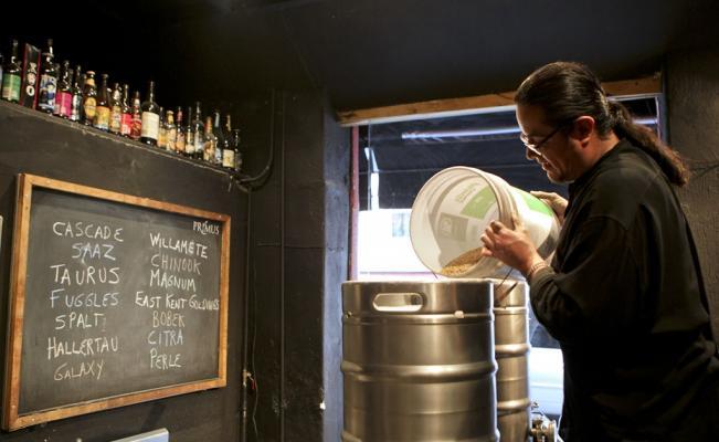 fabricación de cerveza artesanal casera