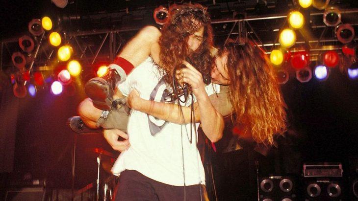 eddie Vedder y Chris Cornell en el escenario