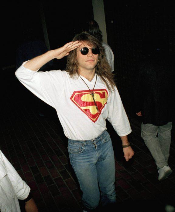 Bon Jovi joven camisa superman
