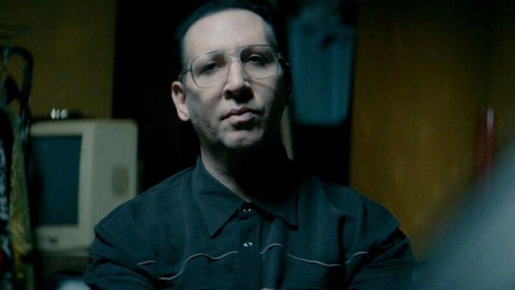 Marilyn Manson con lentes
