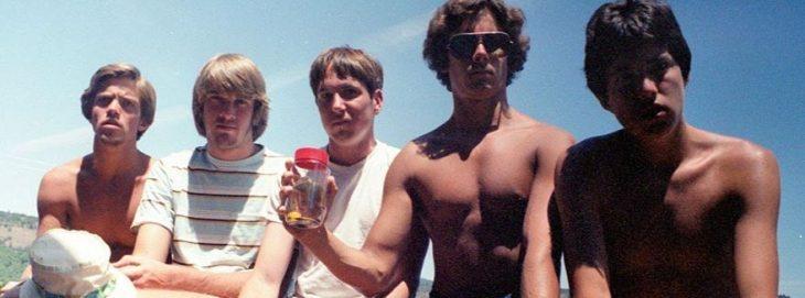 Amigos recrean la misma foto por 35 años