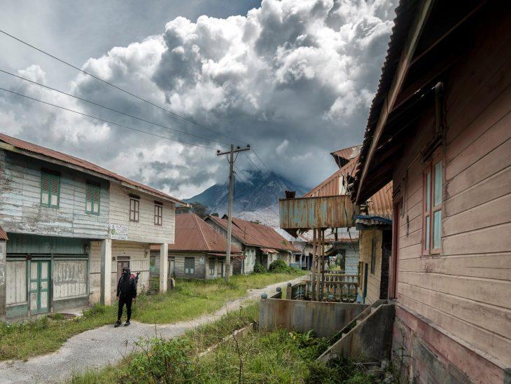 Se cuela a una ciudad volcán y toma estas fantásticas fotografías 5