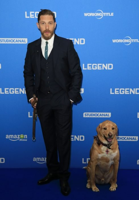 Tom Hardy y Woody en la premiere de Legend