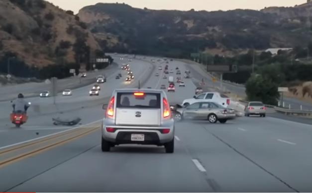 choque carro camioneta