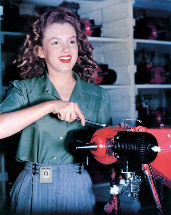 Fotos que muestran la vida de Marilyn Monroe antes de ser famosa 16