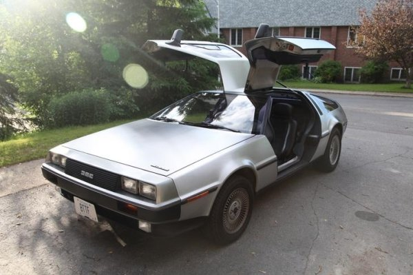 delorean 1982