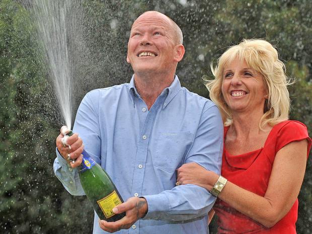 Dave y Angela Dawes Millonarios