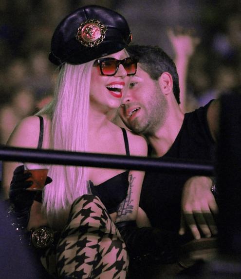 Lady Gaga con su amigo