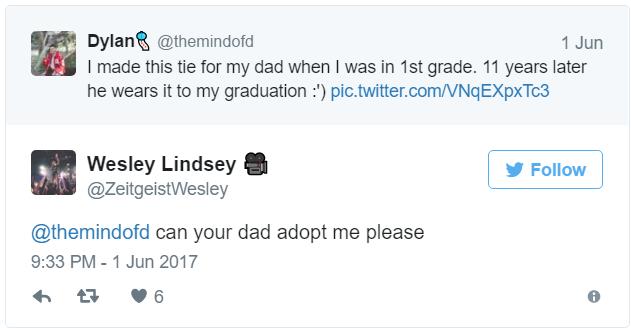 su padre usó la corbata que le regaló hace 11 años 5