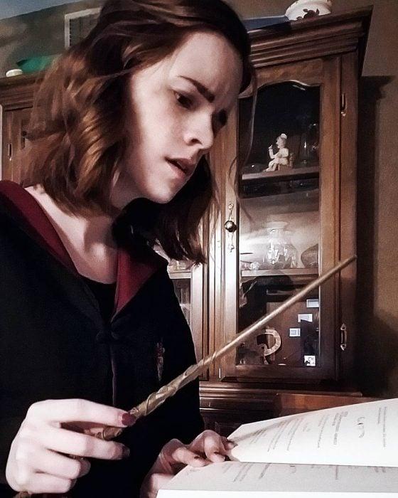 Kari, doble de Emma Watson