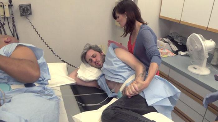 simulación parto hombres