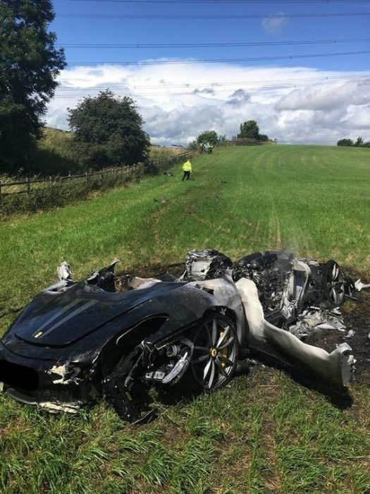 Ferrari en accidente