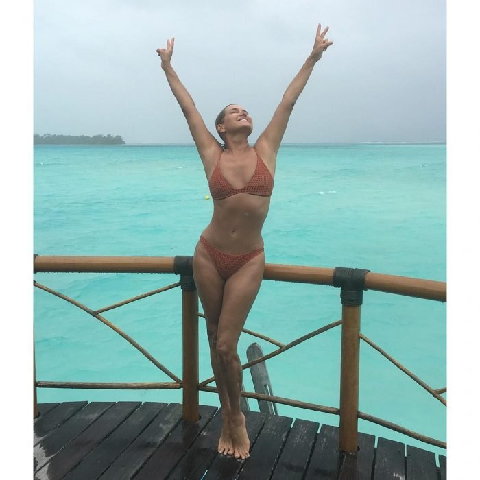 Yolanda Hadid en bikini
