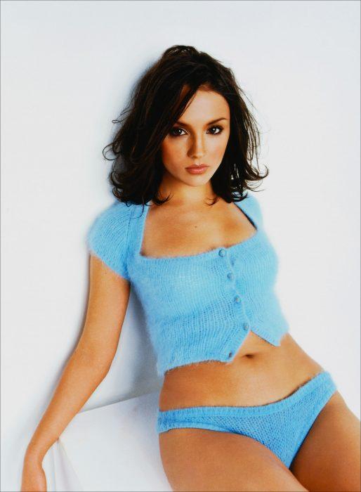 Rachel Leigh Cook en azul
