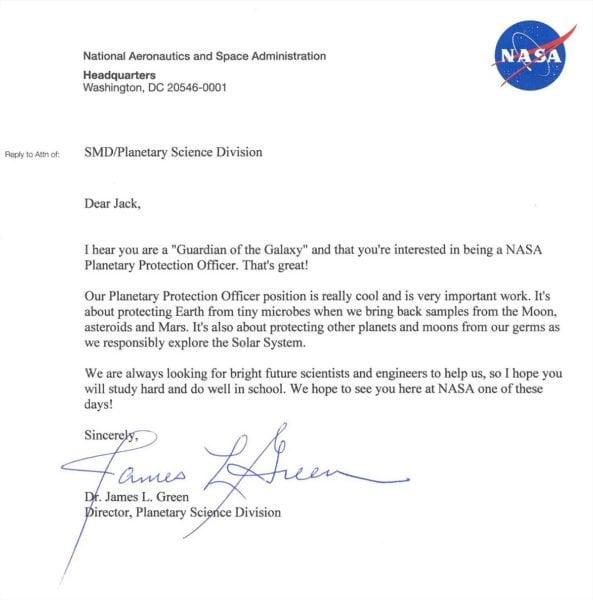 niño pide trabajo en la NASA